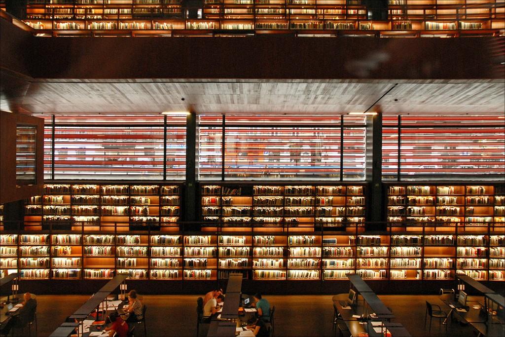 Bibliothèque de l'espace Nouvel, by Jean-Pierre Dalbéra, via Flickr (CC-BY)